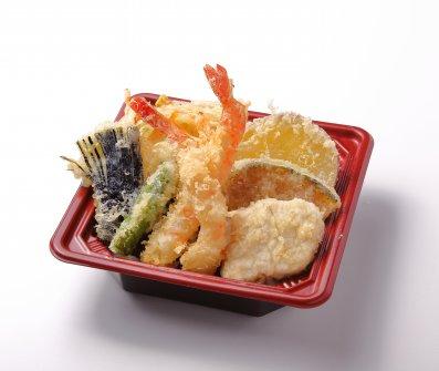 海老と大山鶏と旬菜の天丼
